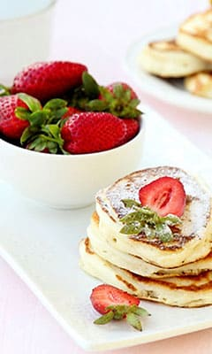 Sweet yogurt pancakes