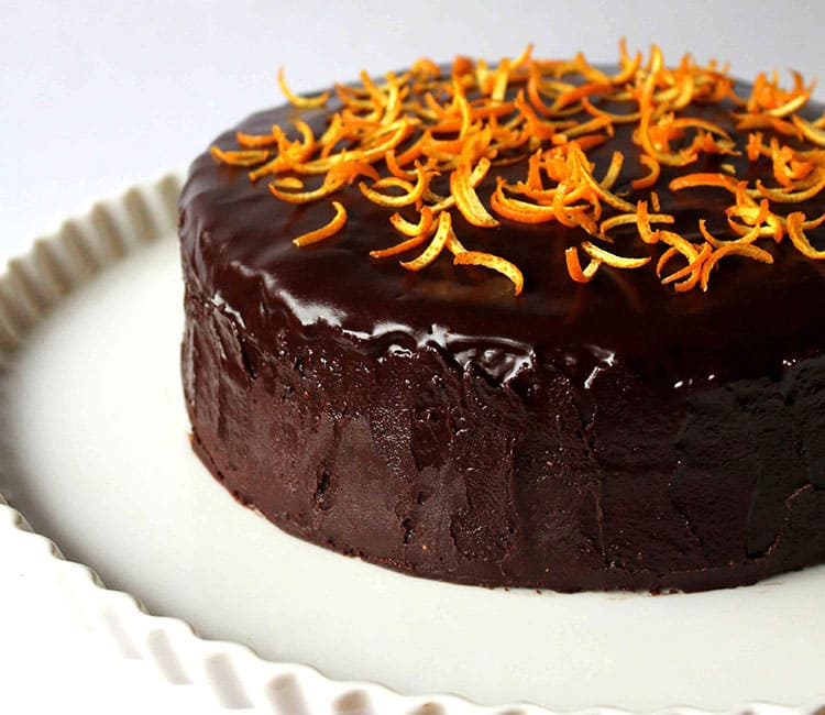 Orange-chocolate cake with a spicy cognac aroma