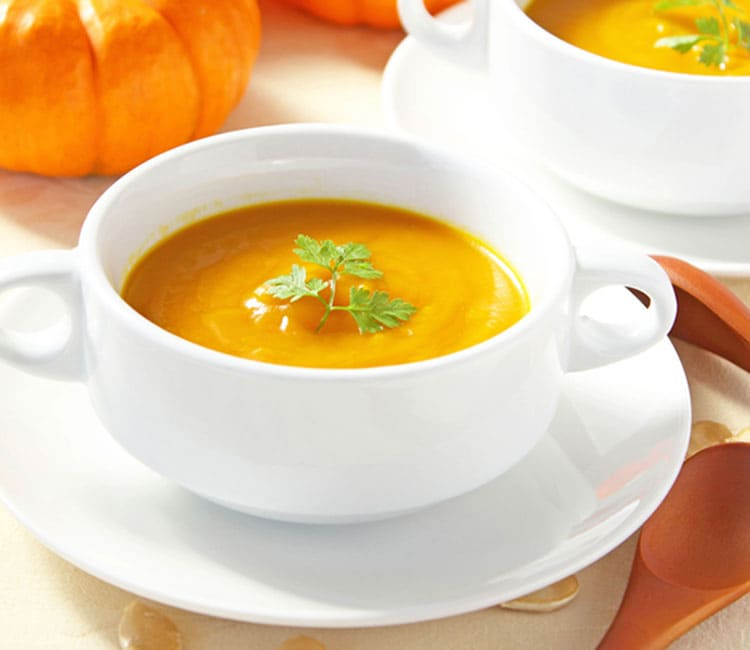 Pumpkin cream-soup with cheese
